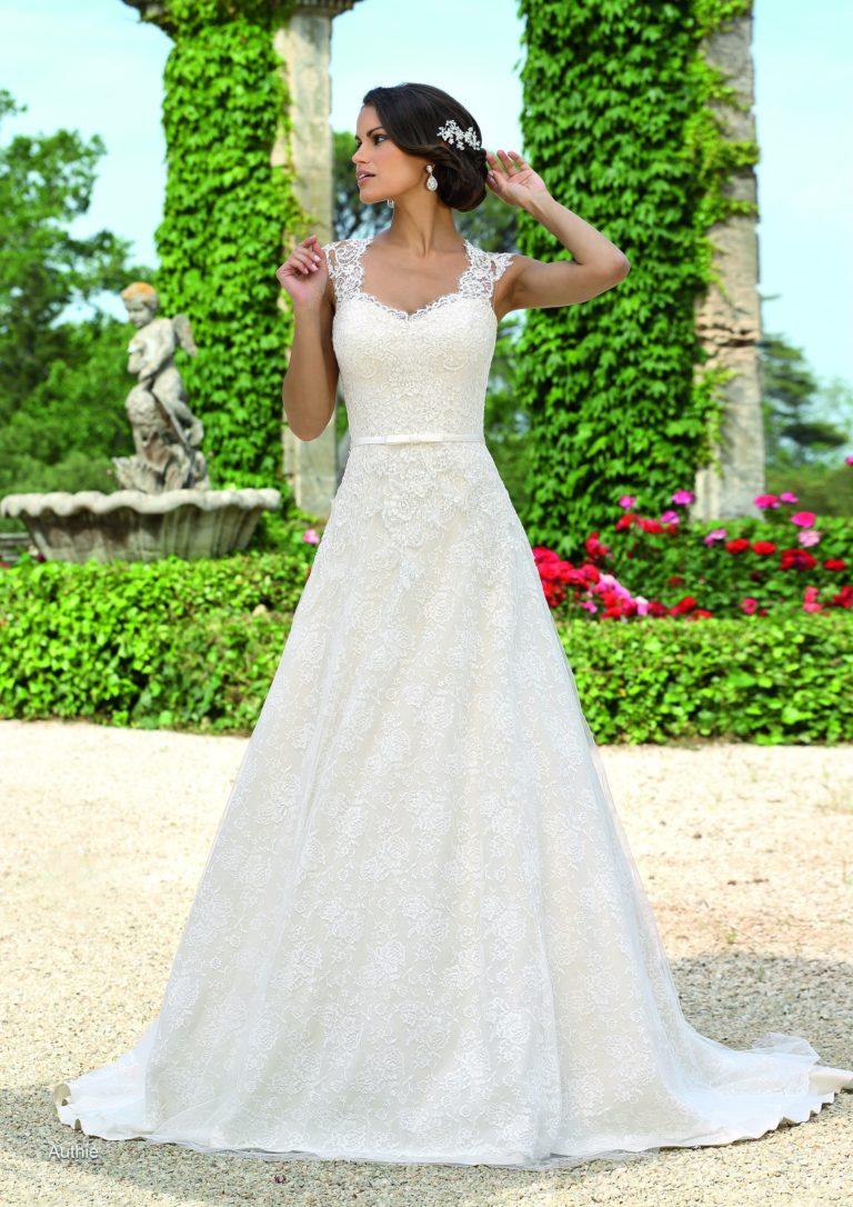 Ivory Brautkleid Authie, Brautkleider Amberg