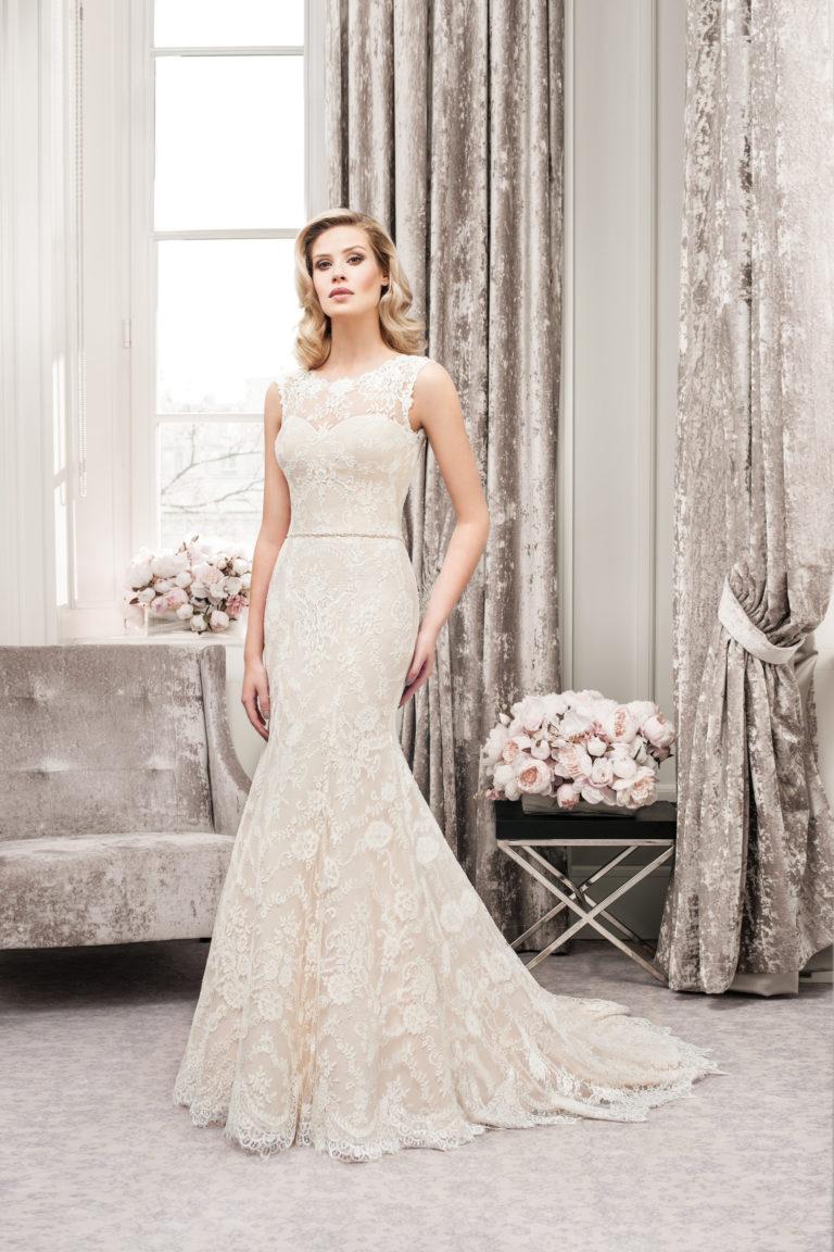 Brautkleider Mode de Pol schmal_Amberg